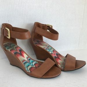 5.5 American Eagle Ankle Strap Wedge Sandals